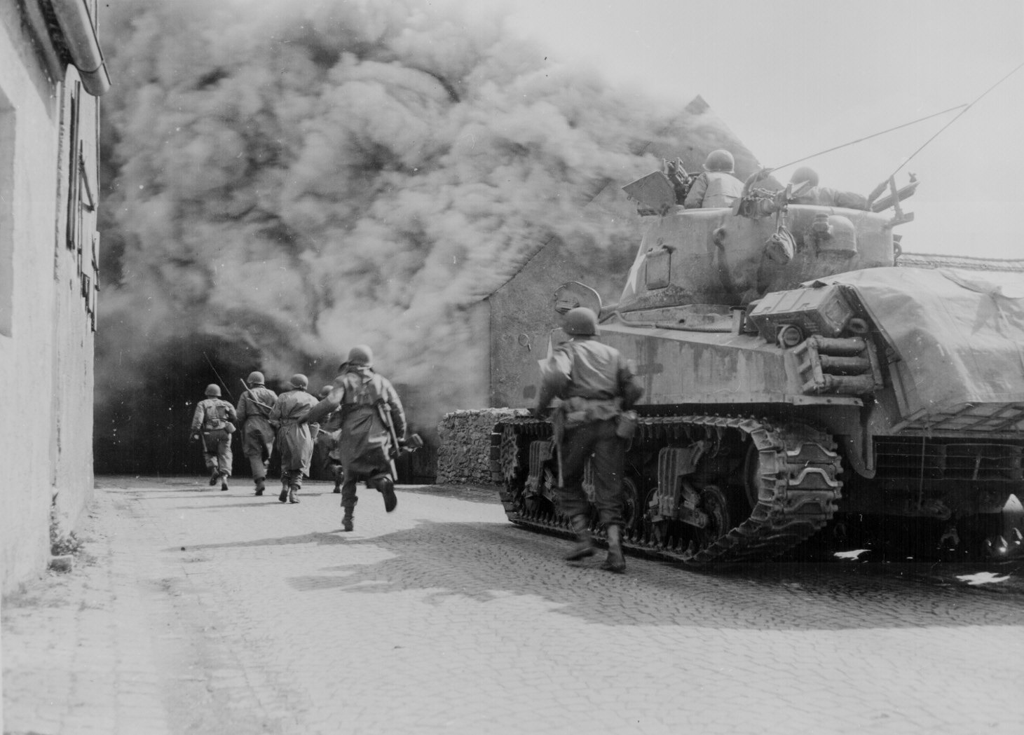 significant events during the second world war Explore a detailed timeline of world war two - the causes, events, soldiers and its aftermath discover facts about what happened during the most destructive war in.